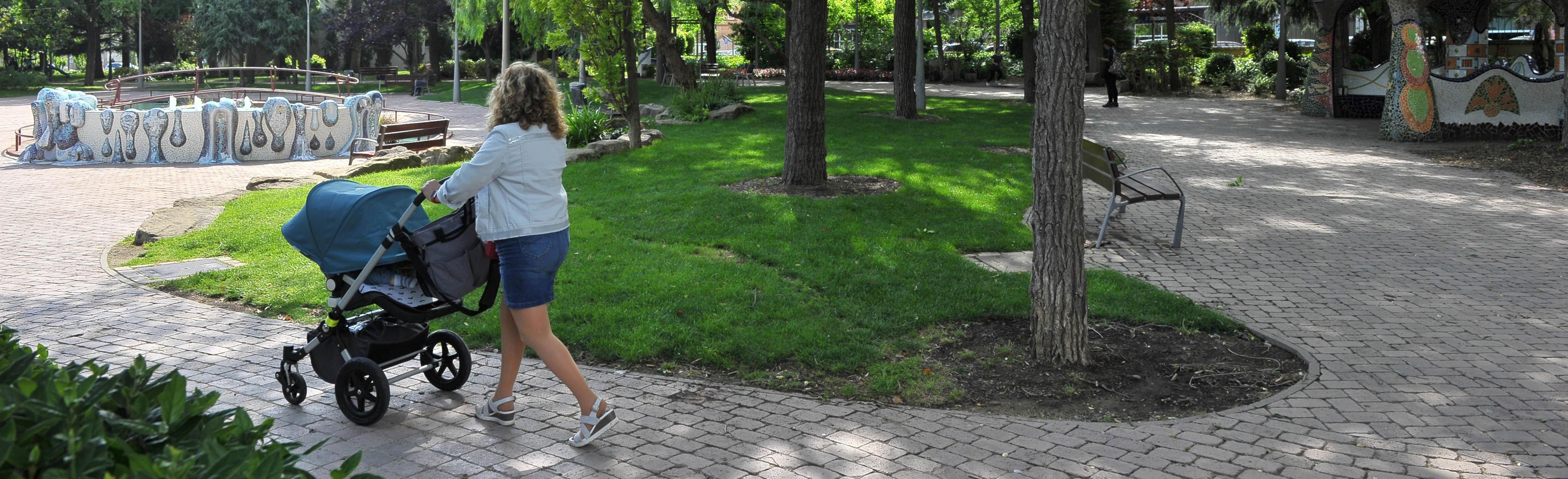 Valorar el servei Estado y cantidad de espacios verdes y parques infantiles en Reus