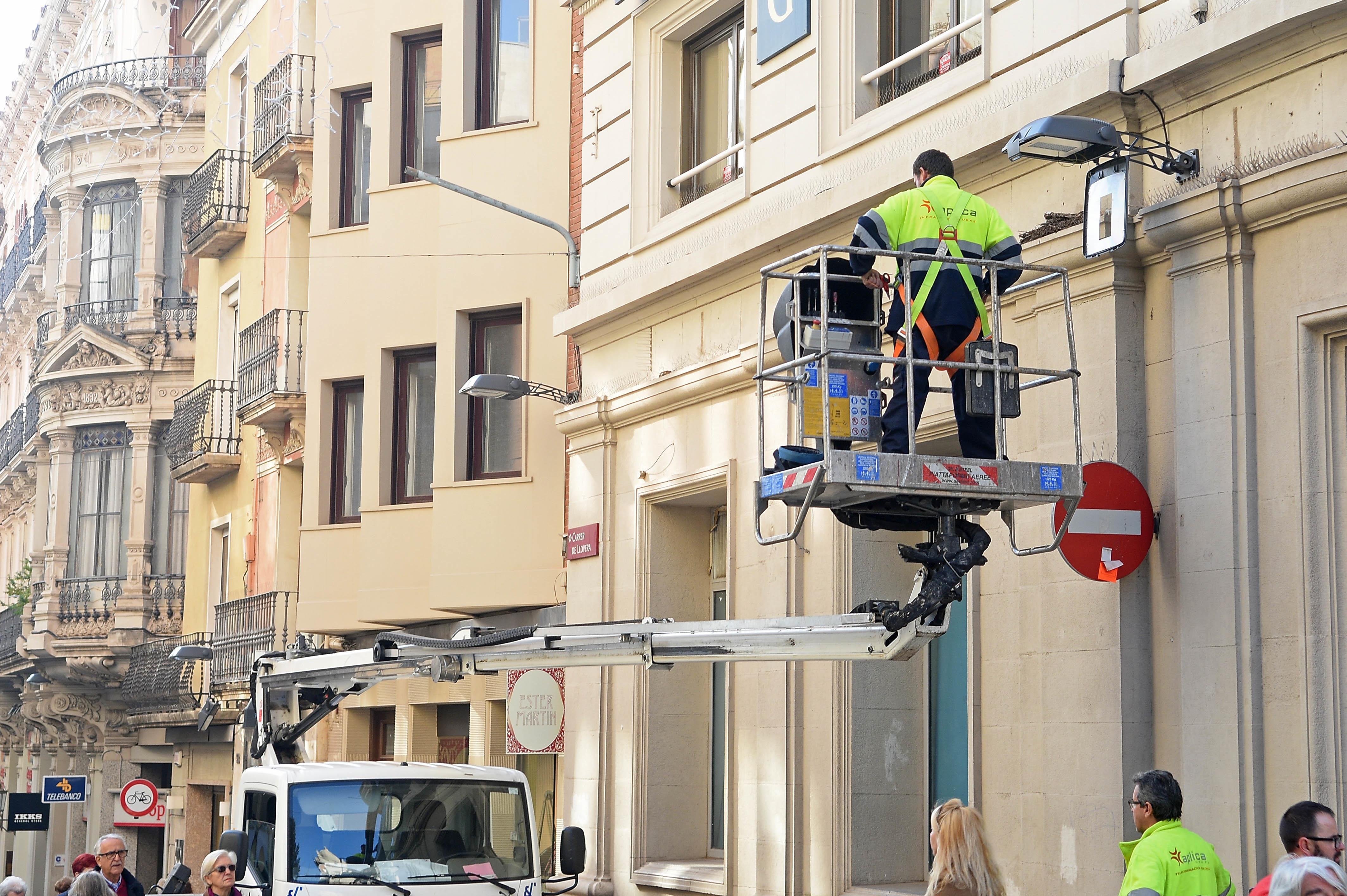 Valorar el servei Cantidad y calidad del alumbrado público en Reus