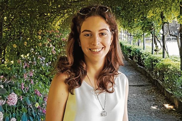 Votar per la festa Claudia Valero: campeona del estudio y del esquí